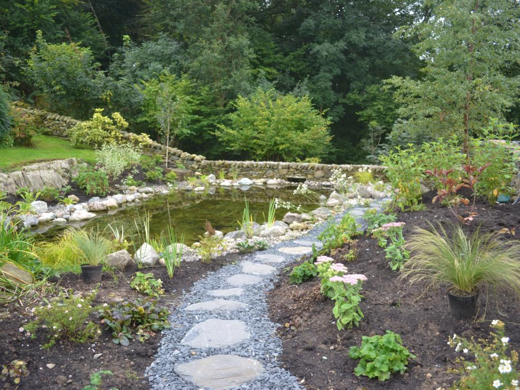 Natural ponds artle 1b creating a reservoir from an for Natural pond maintenance
